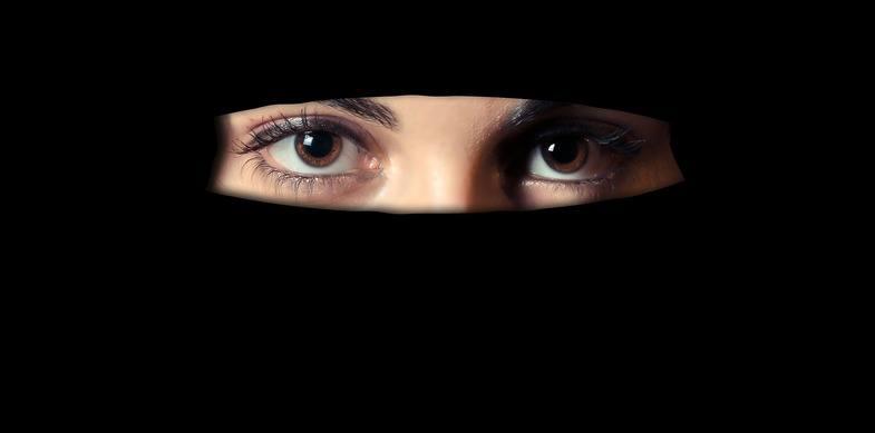 """Mira: """"Ze dwongen me om een gezichtsbedekkende sluier te dragen."""""""