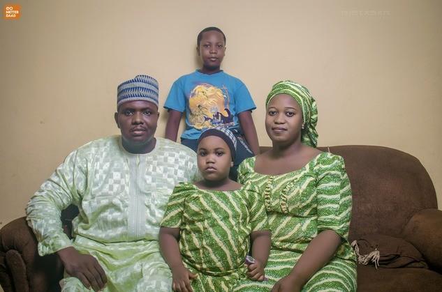 Habila met zijn gezin