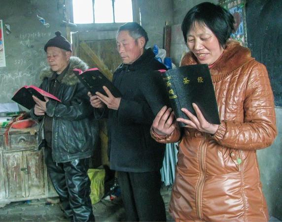 Chinese christenen zijn blij met een eigen Bijbel