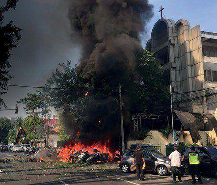 Bij de aanslag op een Indonesische kerk raakte Fenny zwaargewond