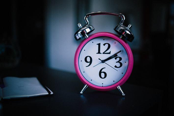 'En hoe laat had je afgelopen nacht je wekker gezet, Rima?'