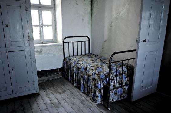 """Niah: """"Nu zit ik gevangen in mijn eigen slaapkamer."""" / Beeld: stockfoto"""